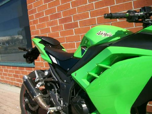 2014 Kawasaki Ninja 300 ABS SE Photo 3 of 24