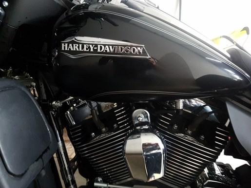 2014 Harley-Davidson FLHTCUTG - Tri Glide™ Ultra Photo 4 of 8