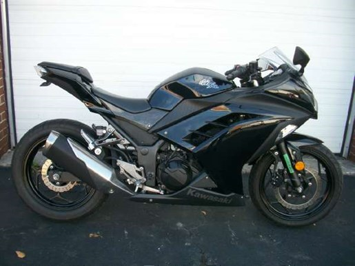 kawasaki ninja 300 2013 used motorcycle for sale in toronto ontario. Black Bedroom Furniture Sets. Home Design Ideas