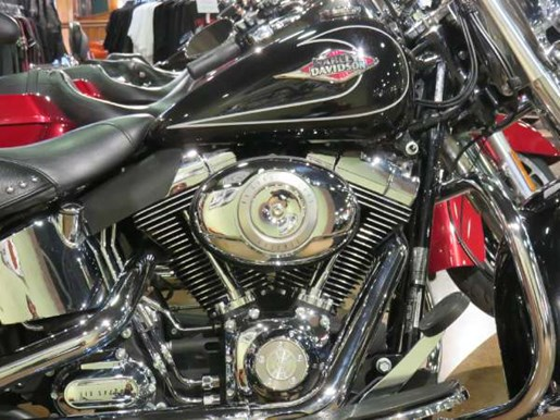 2010 Harley-Davidson Heritage Softail Classic Photo 2 of 8