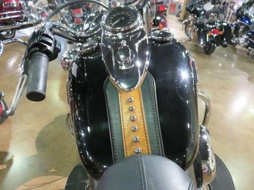 2010 Harley-Davidson Heritage Softail Classic Photo 6 of 8