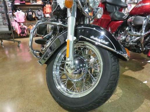 2010 Harley-Davidson Heritage Softail Classic Photo 7 of 8