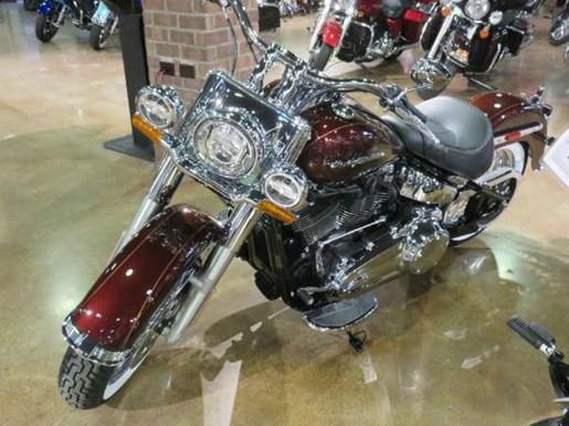 2018 Harley-Davidson Deluxe Photo 7 of 8