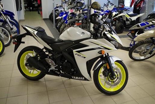 2018 Yamaha YZF-R3 ABS Photo 2 of 10