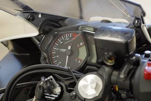 2018 Yamaha YZF-R3 ABS Photo 6 of 10