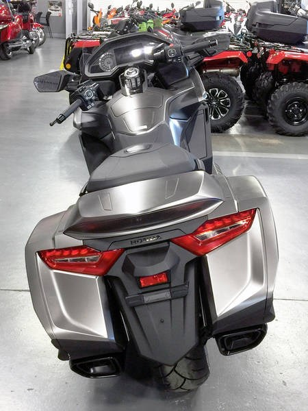 2018 Honda Gold Wing ABS Photo 9 of 9