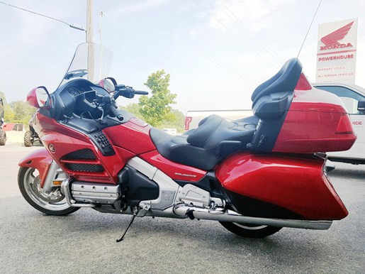 2017 Honda Gold Wing ABS Candy Red Photo 1 of 7
