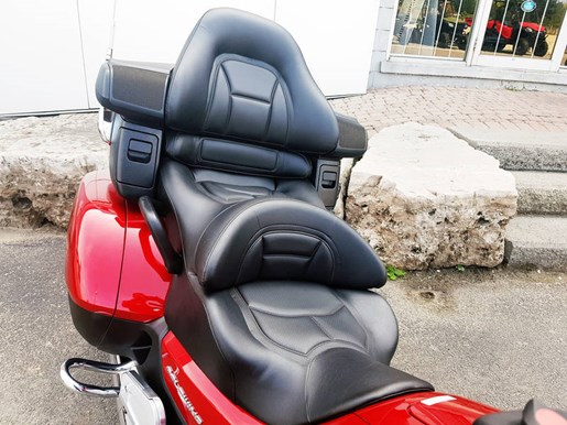 2017 Honda Gold Wing ABS Candy Red Photo 6 of 7