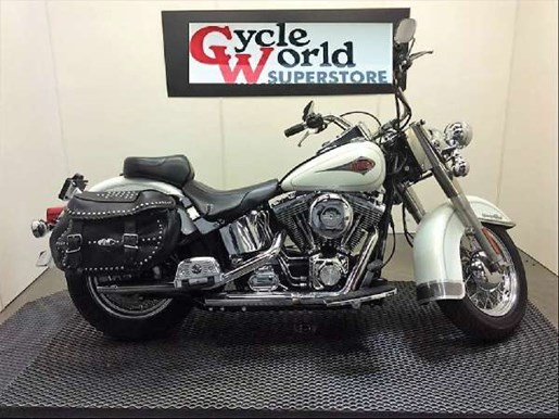 2001 Harley-Davidson FLSTC/FLSTCI Heritage Softail Classic Photo 1 of 24