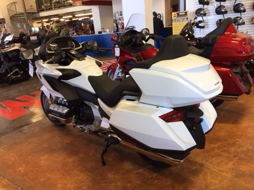 2018 Honda Gold Wing Tour - $303 BI-WEEKLY, OAC* Photo 2 of 2