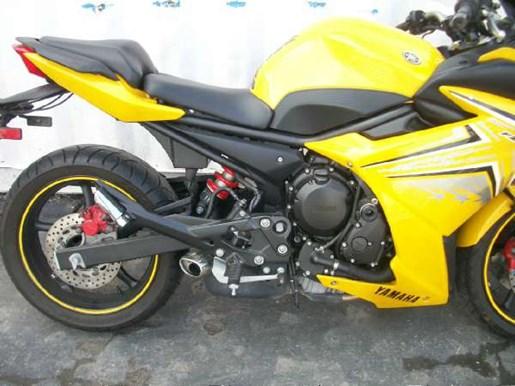 2009 Yamaha FZ6R Photo 2 of 29