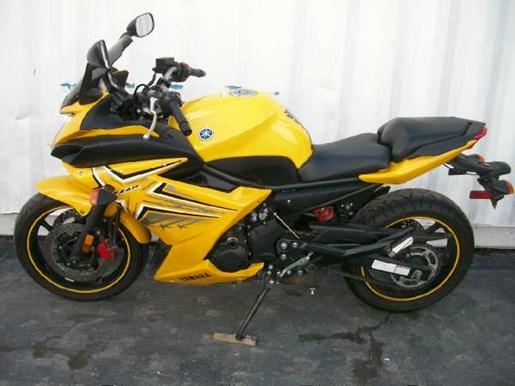 2009 Yamaha FZ6R Photo 19 of 29
