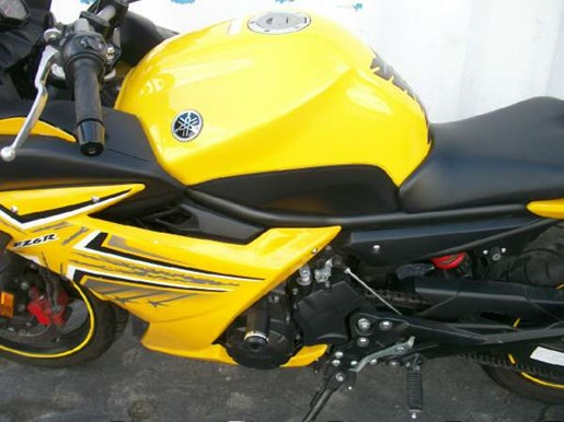 2009 Yamaha FZ6R Photo 24 of 29