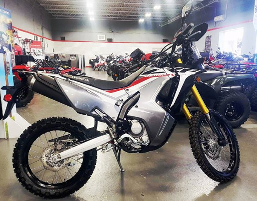 honda crf 250 rally 2018 new motorcycle for sale in hamilton ontario. Black Bedroom Furniture Sets. Home Design Ideas