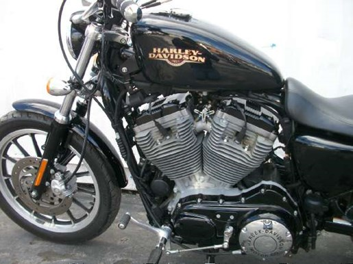 2009 Harley-Davidson Sportster 883 Low Photo 18 of 28