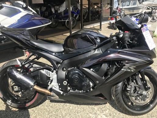 2010 Yamaha GSXR 750 Photo 1 of 2