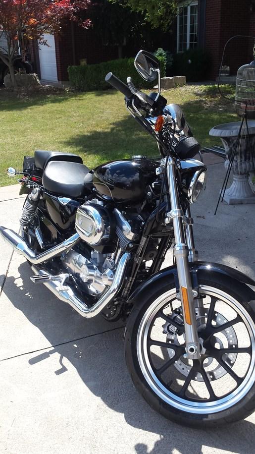 2016 Harley-Davidson Sportster XL883L Superlow Photo 3 of 13