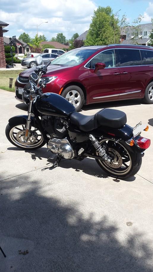 2016 Harley-Davidson Sportster XL883L Superlow Photo 5 of 13