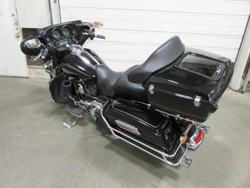 2013 Harley-Davidson FLHTC - Electra Glide® Classic Photo 2 of 4