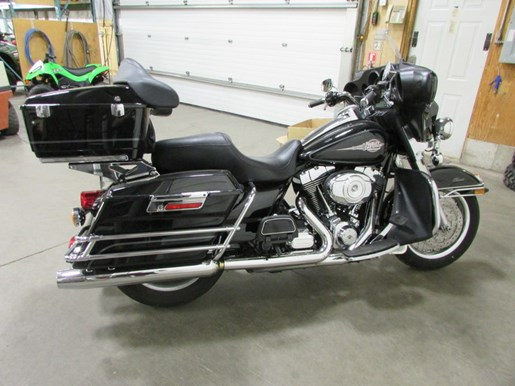 2013 Harley-Davidson FLHTC - Electra Glide® Classic Photo 4 of 4