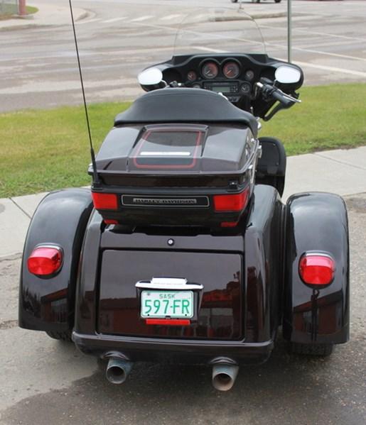 2011 Harley-Davidson FLHTCUTG - Tri Glide™ Ultra Classic® Photo 2 of 5