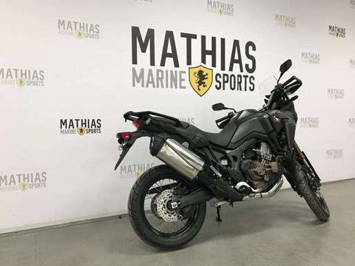 2018 Honda AFRICA TWIN DCT ABS Photo 2 of 10
