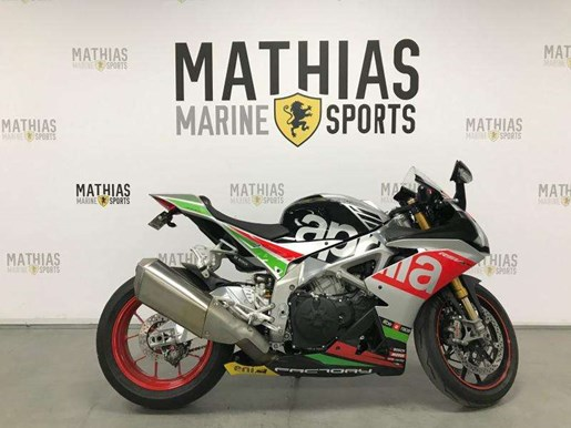 2017 Aprilia RSV4 Factory Photo 1 of 12