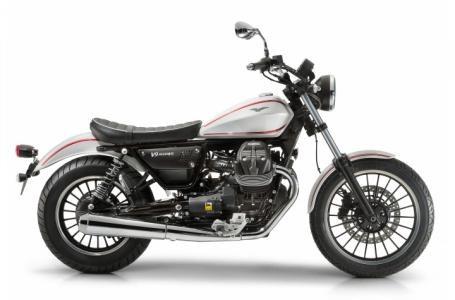 2017 Moto Guzzi V9 Roamer Photo 2 of 8