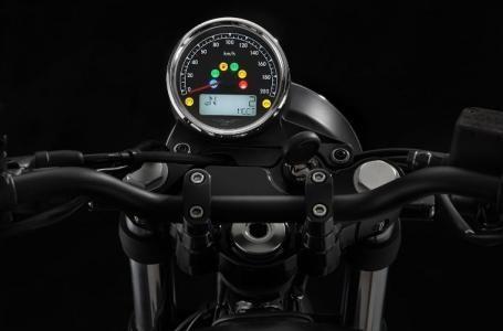 2017 Moto Guzzi V7 III Stone Photo 4 of 4