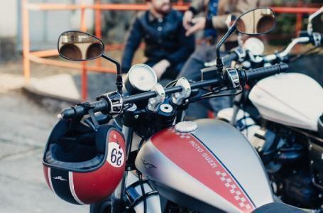 2017 Moto Guzzi V9 Bobber Photo 5 of 9