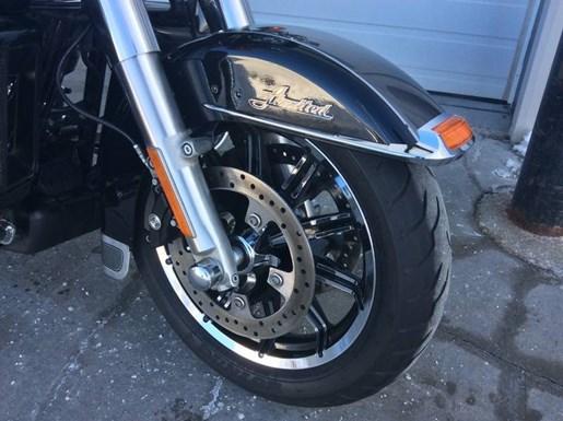 2014 Harley-Davidson FLHTK - Electra Glide® Ultra Limited Photo 8 of 10