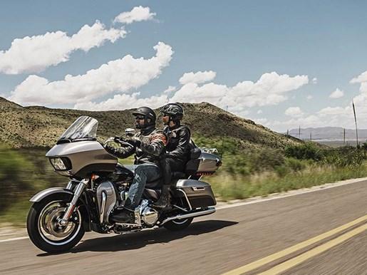2016 Harley-Davidson FLTRU - Road Glide® Ultra Photo 8 of 9