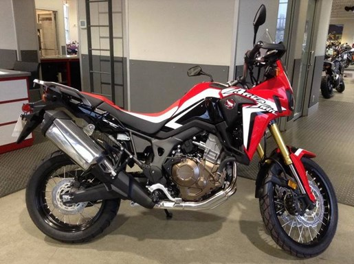 2017 Honda Africa Twin Photo 1 of 4