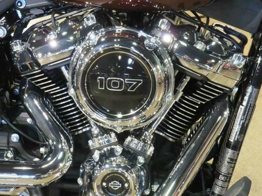 2018 Harley-Davidson FXBR - Softail® Breakout® Photo 2 of 10