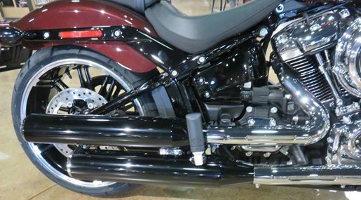 2018 Harley-Davidson FXBR - Softail® Breakout® Photo 9 of 9