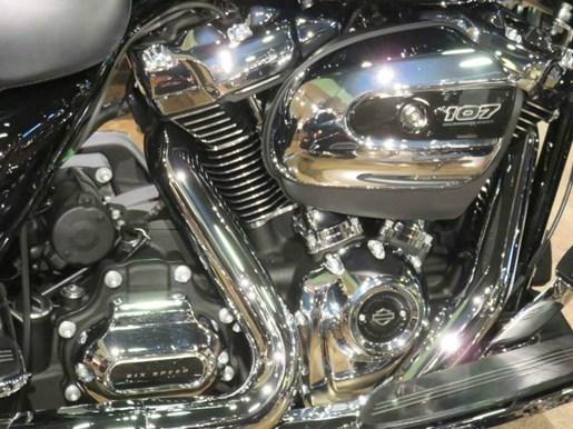 2018 Harley-Davidson FLHX - Street Glide® Photo 2 sur 8
