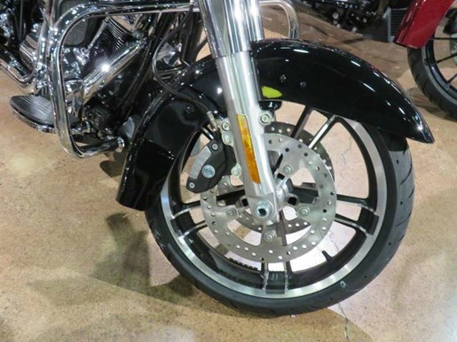 2018 Harley-Davidson FLHX - Street Glide® Photo 6 sur 8