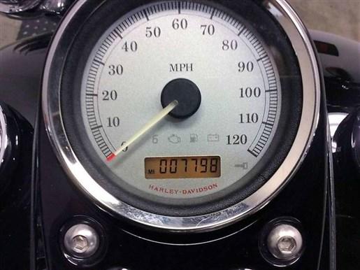2011 Harley-Davidson FXDWG - Wide Glide® Photo 5 of 11