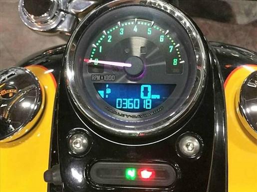 2011 Harley-Davidson FXDWG - Wide Glide® Photo 5 of 13