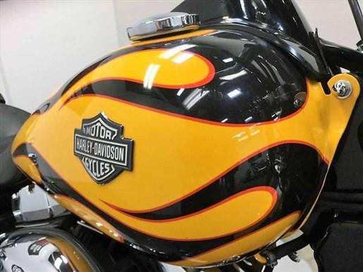 2011 Harley-Davidson FXDWG - Wide Glide® Photo 6 of 13