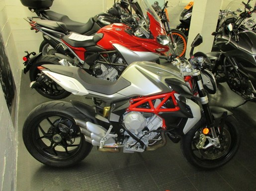 2014 MV Agusta Brutale 800 Photo 2 of 5
