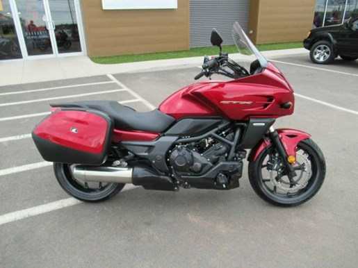 2014 Honda CTX®700T Photo 2 of 10