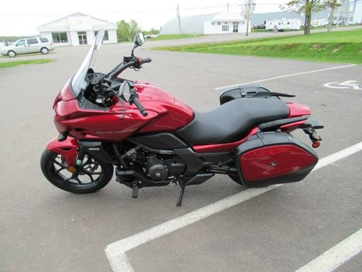 2014 Honda CTX®700T Photo 6 of 10
