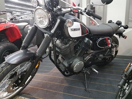 2017 Yamaha SCR950 Photo 2 of 3