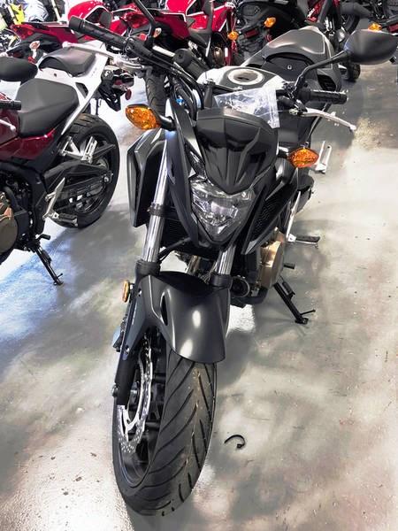 2018 Honda CB500F Photo 2 of 4