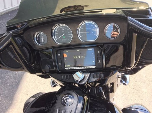 2016 Harley-Davidson FLHXSE - CVO™ Street Glide® Photo 9 of 13