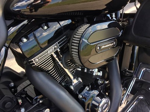 2016 Harley-Davidson FLHXSE - CVO™ Street Glide® Photo 11 of 13