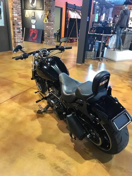 2014 Harley-Davidson FXSB - Softail® Breakout™ Photo 6 of 12