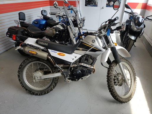 2003 YAMAHA XT225 Photo 1 of 6