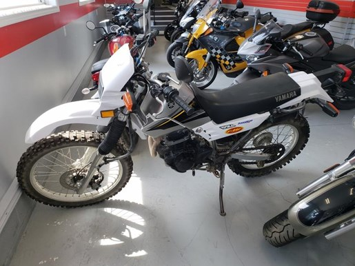 2003 YAMAHA XT225 Photo 2 of 6